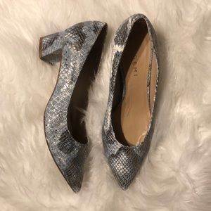 M. Gemi Shoes - M. Gemi Speranza Block Heel Pump - Silver Sky 37.5